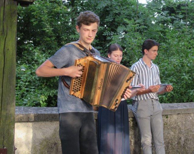 Andraz-s-Slovenija-od-kod-lepote-tvoje