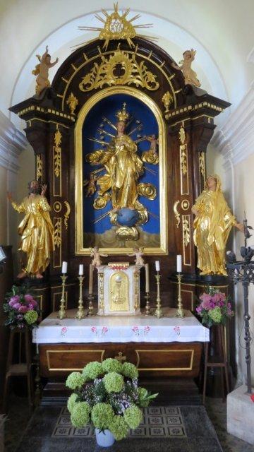 Farna cerkev Podbrezje-Marijin oltar
