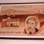 pisateljičina razglednica na stopnišču -delo Brabare Pogačnik in Ronke Kozjek
