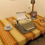 pisateljičino delovno mesto-miza