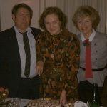 pisateljica s shčerko in sinom ob 70 letnici leta 1989