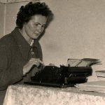 pisateljica za pisalinm strojem nov.1961