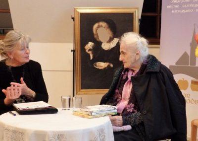 Neža Maurer v pogovoru z Daco Perne